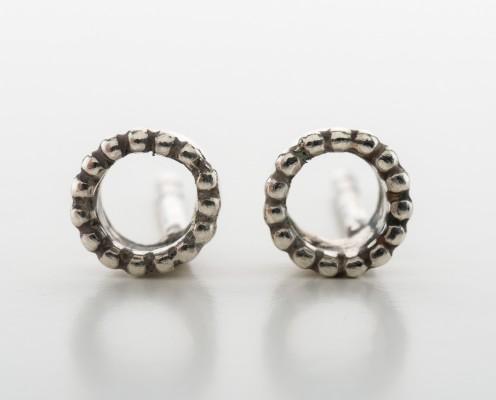 Ohrringe mit Kugelrand aus 925er Silber - Preis: 38,-€