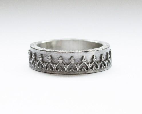Ring aus 925er Silber mit Galerierand - Preis: 145,-€